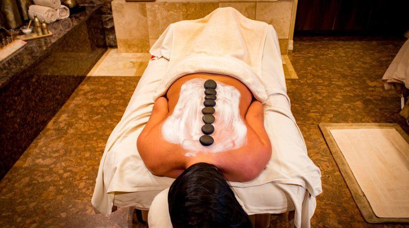 Nevím, kde absolvovat masáž  lávovými kameny, hledám tip na pobyt