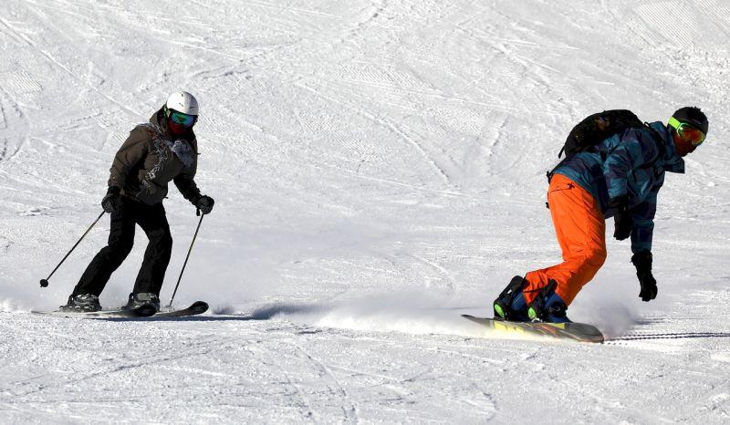 Statisticky nejrizikovější sporty? Lyžování a snowboarding