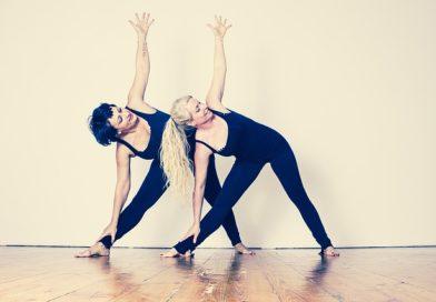 Yoga pro seniory může být zajímavá jako pobyt v přírodě